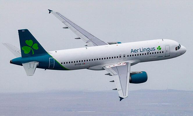 Aer Lingus A320 in flight